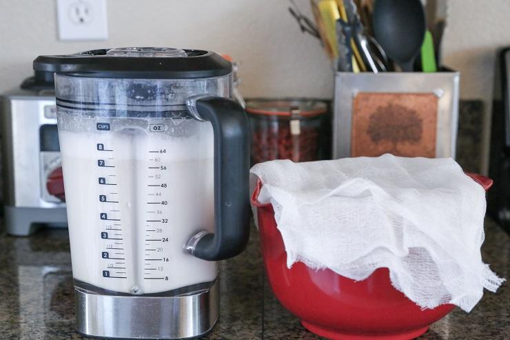 how to make nut milk 4 - طرز تهیه شیر گردو