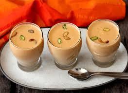 خواص شیر بادام و عسل
